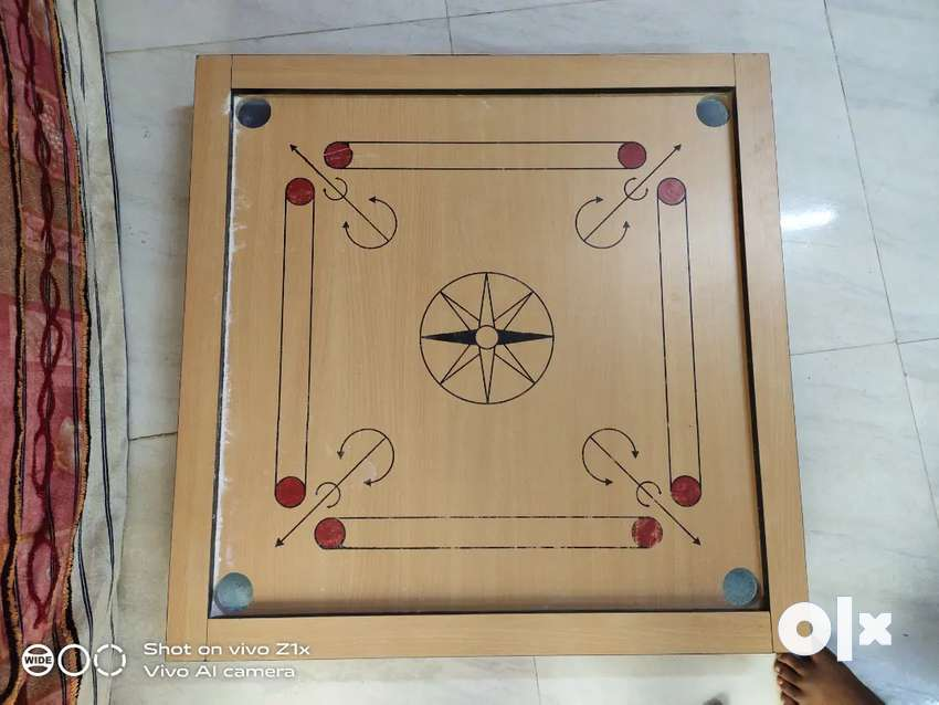 Carrom board 32inches good condition 0