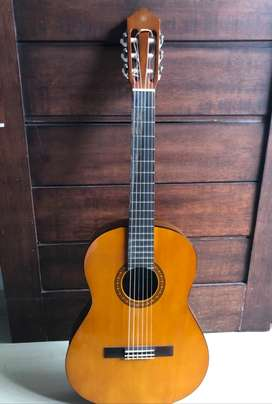 Gitar Yamaha CS40