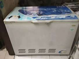 Freezer Daichi Besar Murah jual cepet BU