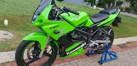 Kawasaki ninja 150 RR 2011 Special edition