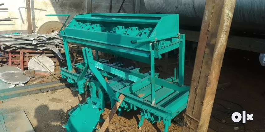 Tractor seed drill 0