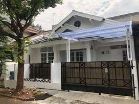 Bintaro Jaya Sektor IX Permata Bintaro, baru selesai renov. Jual Cepat