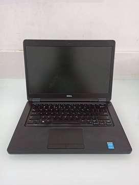 Lite used laptops .