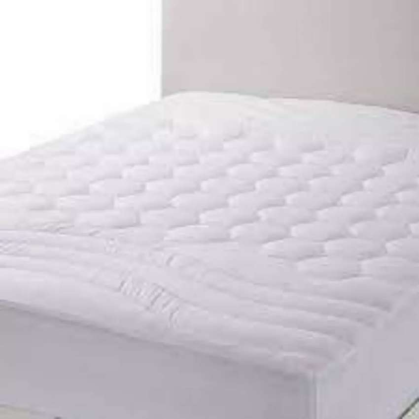 Latest waterproof Mattress Cover white smooth
