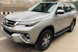 Toyota Fortuner 4x2 AT, 2018, Petrol