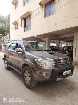 Toyota Fortuner 2011-2016 4x4 AT, 2010, Diesel