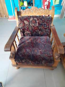 Full sofa set without table.
