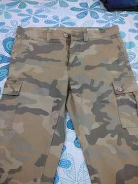 Khakhi Camouflage cargos, branded, size 34