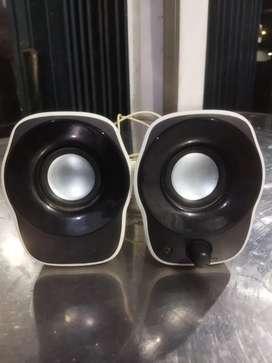 Speaker merk logitech