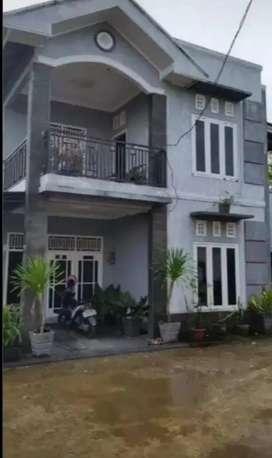 Rumah 2 lantai + kolam ikan djalan Bukit Baru Lt: 950/m2 Harga: 975 jt