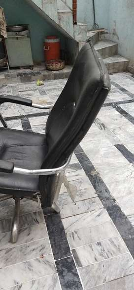 Office chair cond 10.9