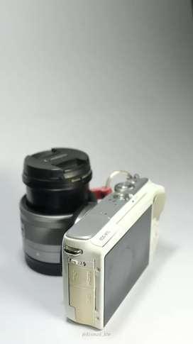 Camera Canon M10