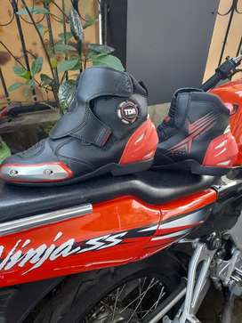 Dijual sepatu turing TDR Size 42