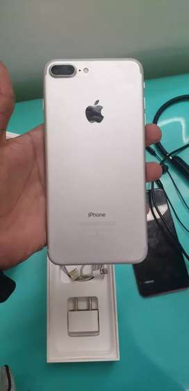 IPhone 7 plus 128gb silver excellent condition