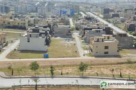 5 Marla House Available In ALi Block Phase 8