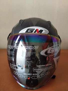 Helm GM salah size (M)