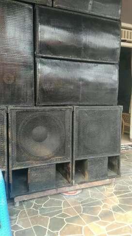 Pembuatan salon sound system.