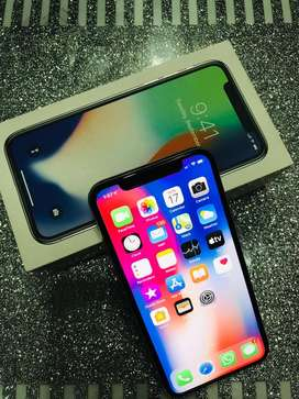 iPhone X 64 gb (Silver), with all accesories