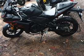 Yamaha R3 wants to sell 3.1 to 3.2 with 2870km driven