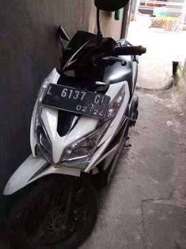 Motor Honda Vario 125 cc tahun 2014 sudah tubeless depan belakang