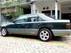 Mercedes e300 Sidoarjo