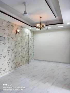 Super Location 3 BHK FLAT Just 48 Lakh in Ashok Vihar Gurgaon