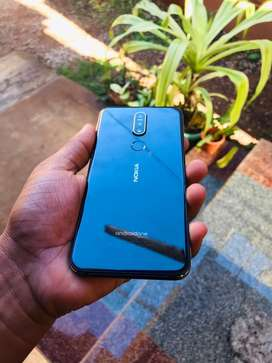Nokia 7.1 4gb64 phone is like brand new