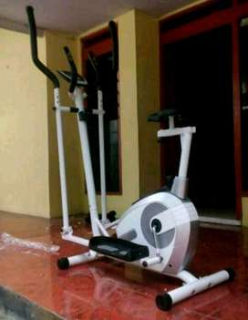 eliptical crostrainer Fit class -ready stock SOLO FITNESS CENTER