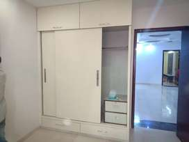 3 BHK BUILDER FLOOR IN SEC 23 LIFT + PARKING