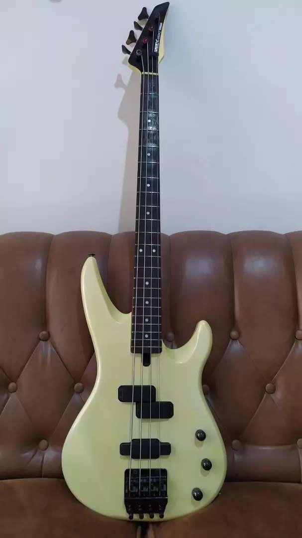 Bass Gitar Yamaha RBX 800 (Rare item) + Hard Case 0