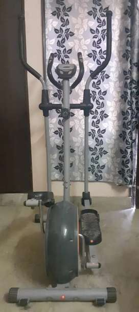 Cross trainer  (hardly used )