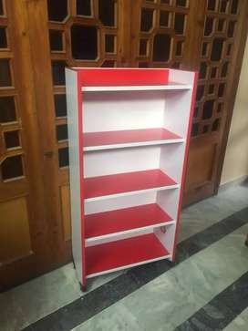 Book shelf in good contrast brand new
