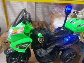 Motor Aki Polisi Besar Bisa duduk 2 org anak kecil (NEGO)