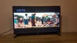 LED TV Sharp 32 Inch Layar Bening No Minus Fullest
