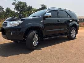Toyota Fortuner G 2.5 diesel 2010 AT attitude black