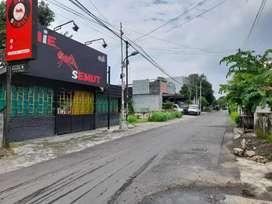 Tanah Hook Tengah Kota. 20m dari Jl Kusumanegara. Bonus Rumah Makan