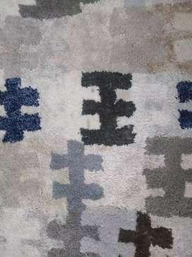 Carpet good condition