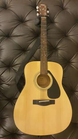 Semi Acoustic Yamaha F310 Package with all accessories