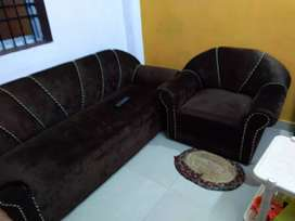 Very good condition sofa 5 month old