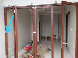 Kusen dan pintu aluminium