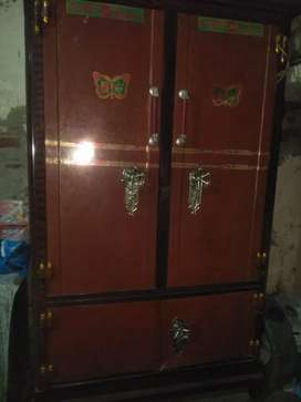 Iron safe alamri in good conditions for sale