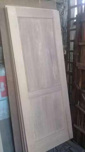 kusen dan pintu kayu kalimantan