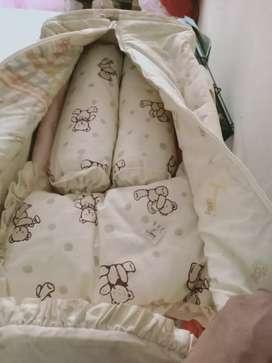 Box bayi merk mothercare bekas