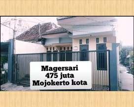 rumah kota mojokerto  / dempet alun 2 .