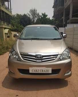 Toyota Innova 2.5 V 8 STR, 2011, Diesel