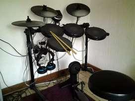 Drum Elektrik merk ALESIS DM 6