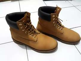 Sepatu timberland original size 9 us..42 ind