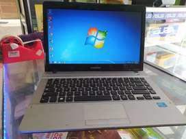 Dijual Laptop Samsung Siyab pake