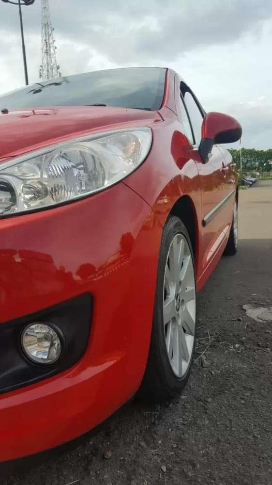 Mobil Peugeot Second tapi baru