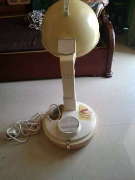 Beauty parlour machine hot air Rs1500